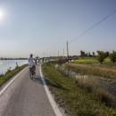 In bici a Lio Piccolo, sospesi tra laguna e cielo