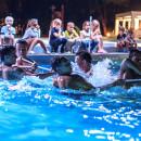 Giochi in piscina al Camping Village Dei Fiori